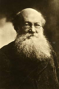 peter_kropotkin_the_great_advocate_of_anarcho_communism-200x300