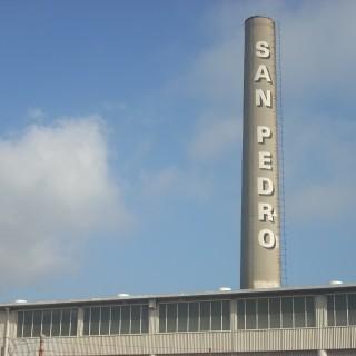 San Pedro, Los Angeles, CA incinerator chimney, Gaffey Street author: Jengod