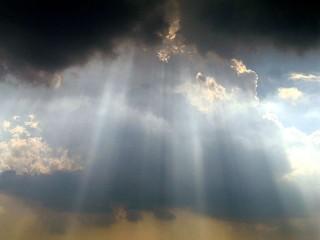640px-Sky_over_Washington_Monument
