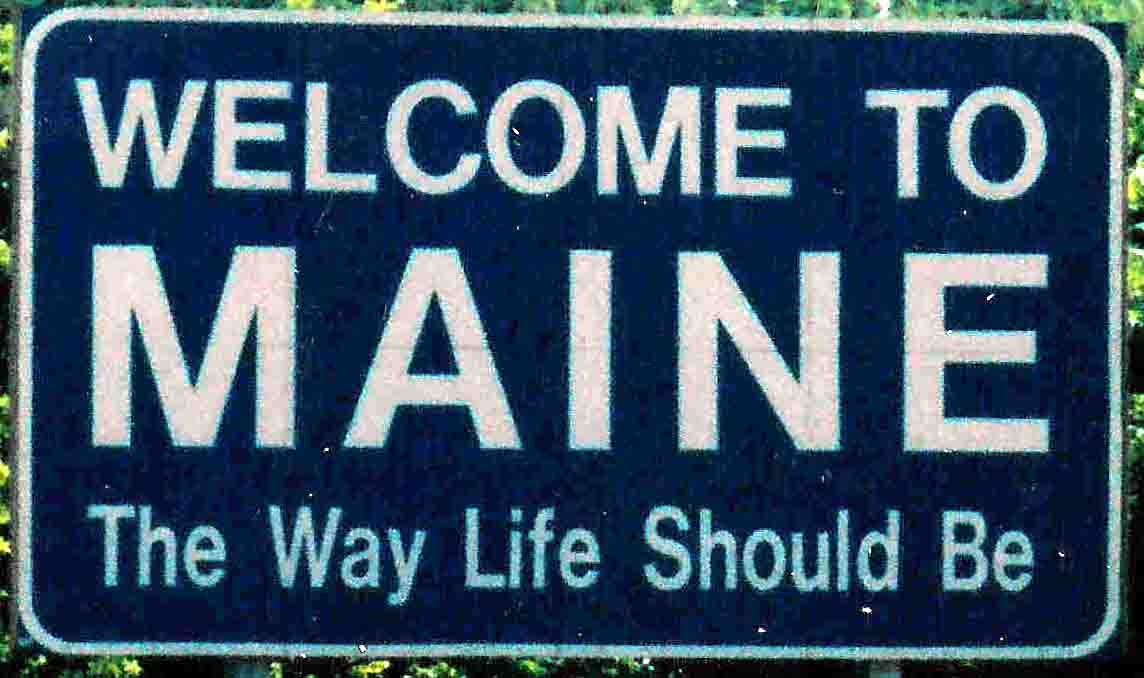 Welcome to Maine sign.jpg